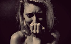 woman-crying-1